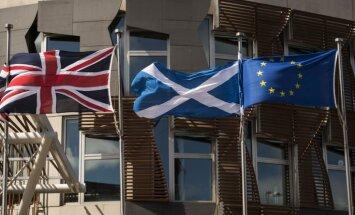 Lielbritānija virzās uz smagā 'Brexit' pusi, brīdina Skotijas ministre