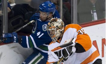 Ķēniņš un 'Canucks' pārliecinoši sakauj 'Flyers'