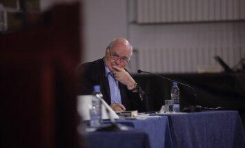 Ateisms, terorisms, Dievs un atsaucīgie latvieši – skandalozais Oksfordas profesors intervijā 'Delfi'