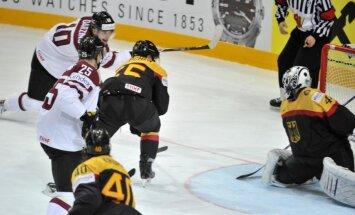 Latvijas hokejistiem sāpīgs zaudējums svarīgā spēlē pret Vāciju