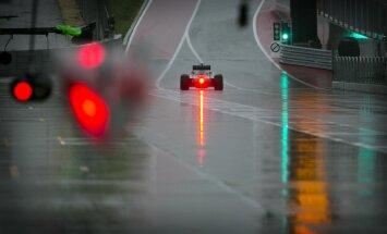 Atceļot trešo kvalifikācijas sesiju, ASV 'Grand Prix' pirmo starta rindu izcīna 'Mercedes' piloti
