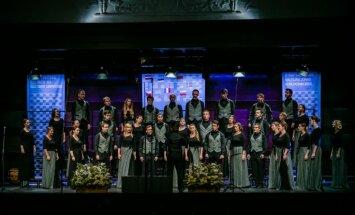 Pirmajā Starptautiskā Baltijas jūras koru konkursā uzvaras laurus plūc kori no Latvijas