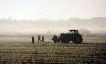 Pierobežas zemnieki lauksaimniecības tehnikas zagļu priekšā jūtas bezspēcīgi, vēsta LNT