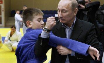 Путин поделился техникой бросков и подножек