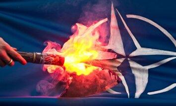 Большинство русскоязычных латвийцев осуждает вступление Латвии в НАТО