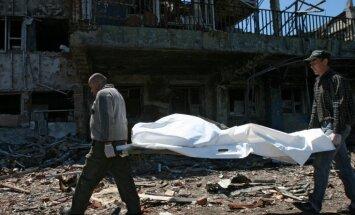 Diennakts laikā Ukrainā gājuši bojā seši, bet ievainoti 14 karavīri