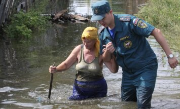 Krievijas reģionu piemeklē vēsturē lielākie plūdi