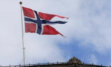 Norvēģijas koalīcija paplašinās, bet joprojām paliek mazākuma valdība