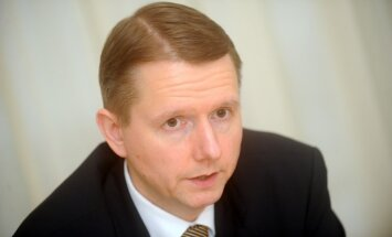 Путниньш: допустимый объем бизнеса нерезидентов в латвийских банках - около 5%