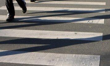 На дорогах Латвии планируют ликвидировать часть пешеходных переходов