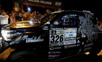 Divas nedēļas, tonnām smilšu, 491 dalībnieks: sākas Dakaras rallijs
