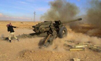 Aktīvisti: Sīrijas režīma spēki ar Krievijas gaisa atbalstu ieņem nemiernieku kontrolētu ciemu