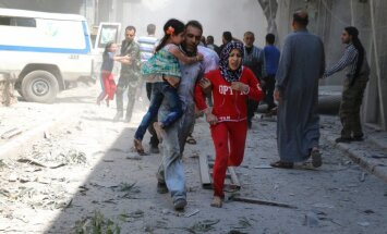 ANO sūtnis: Alepo austrumos vēl ir aptuveni 50 000 cilvēku