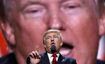 ASV prezidenta vēlēšanās Klintone cīnās pret Putinu, raksta 'The Atlantic'