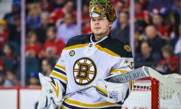 Boston Bruins goalie Anton Khudobin