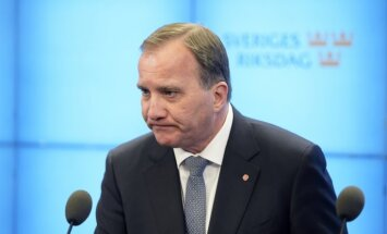 Zviedrijas premjers Levēns zaudē neuzticības balsojumā parlamentā