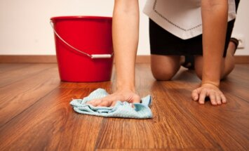 Kā pareizi mazgāt lamināta grīdu?
