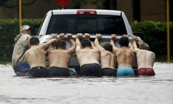 Video: Katastrofālie plūdi Hjūstonā pastiprinās