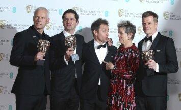 'Trīs paziņojumi pie Ebingas Misūri štatā' saņem BAFTA labākās filmas balvu