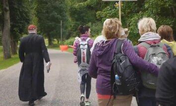 Video: 200 000 soļu jeb Siguldas katoļu draudzes svētceļojums uz Aglonu