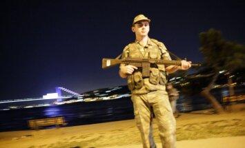 В Турции произошел переворот: военные объявили о захвате власти