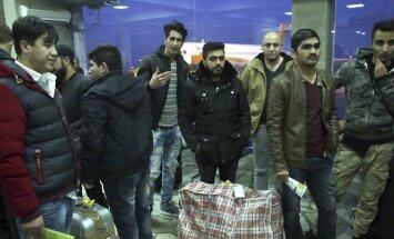 Vācija cer ar finansiālas palīdzības sniegšanu veicināt patvēruma meklētāju aizbraukšanu