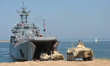 Krievijas karakuģi izbraukuši cauri Bosforam ceļā uz Sīriju