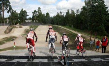 Fotoreportāža: jaunā BMX trase Mežaparkā