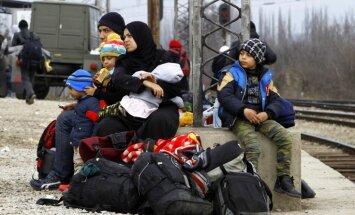 Krievijai turpinot Sīrijas bombardēšanu, migrantu došanās uz ES nav apturama, paziņo Erdogans