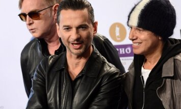 Rokenrola slavas zāles pretendentu sarakstā – 'Depeche Mode', 'Kraftwerk' un Tupaks