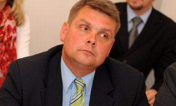 'Latgales partiju' turpinās vadīt parlamentārietis Adamovičs