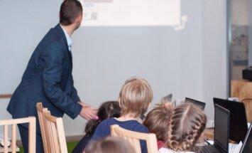 Aizliegums par smagiem noziegumiem tiesātajiem būt par pedagogiem neatbilst Satversmei