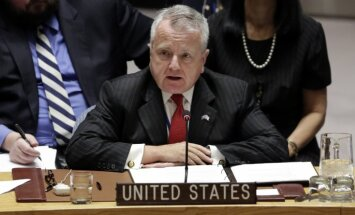 ASV amatpersona: ar prieku novērojam, kā Latvija ķeras klāt korupcijas apkarošanai