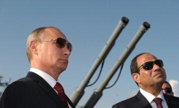Putins vēlas organizēt Tuvo Austrumu miera sarunas, atklāj Sisi