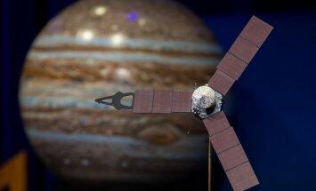 Pēc piecu gadu ceļojuma zonde 'Juno' veiksmīgi iegājusi Jupitera orbītā
