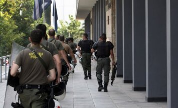 Grieķijā aizdomās par cilvēku kontrabandu arestēti 18 vīrieši