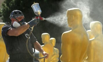 Foto: Holivudā izritina sarkano paklāju un gatavojas 'Oskaru' ceremonijai