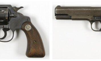 Bonijas un Klaida pistoles izsolē pārdotas par pusmiljonu dolāru