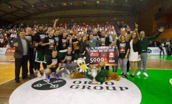 'Valmiera/ORDO' basketbolisti sīvā cīņā divas sekundes pirms beigām izrauj uzvaru BBL kausa izcīņas finālā