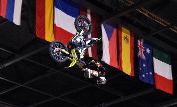 Skrastiņš uzvar FMX Latvijas 'Grand Prix' 'Whip' lēcienu paraugdemonstrējumos