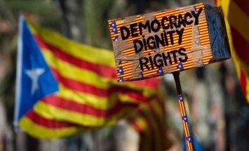 Spānijas Konstitucionālā tiesa bloķē Katalonijas neatkarības referendumu