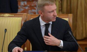 Krievijas izglītības ministrs iet Ķīļa pēdās, komunisti viņu vēlas patriekt