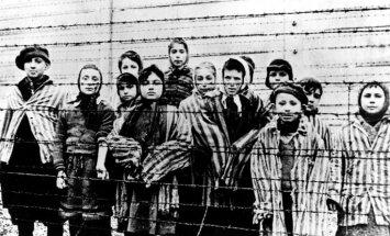 Likumprojekts par 'poļu nāves nometnēm' ir pārprasts, uzskata PiS līderis