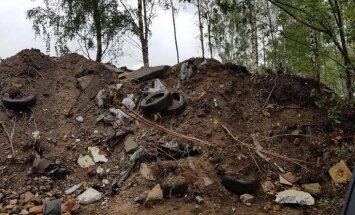 Aculiecinieks Rīgā pamana nelegālu izgāztuvi; policija ierosina lietu