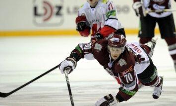 Rīgas 'Dinamo' izbraukumā tiekas ar finansiālu problēmu nomocīto Novokuzņeckas 'Metallurg'