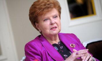 """Вике-Фрейберга: Россия может ввести войска для """"защиты"""" Восточной Украины"""