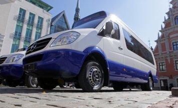 IUB uzsāk pārbaudi par biļešu cenu celšanu Rīgas mikroautobusos