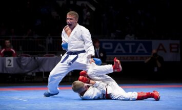 Karatists Kalniņš Parīzē premjerlīgas posma sacensībās uzvar divās cīņās, bet gandarījuma turnīrā neiekļūst