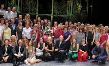 Foto: Dailes teātris ar 'Spanovska ballīti' noslēdz sezonu