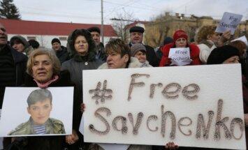 Krievijas tiesa atsakās atbrīvot ukraiņu lidotāju Savčenko
